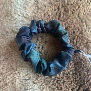 Lululemon Uplifting Scrunchie - BUNDLE ITEM